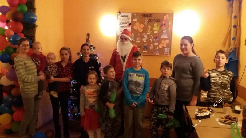 Mikołaj w świetlicy w Samoklęskach Duzych