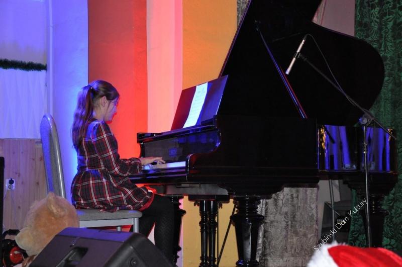 Pianiści zagrali podczas koncertu kolęd i pastorałek
