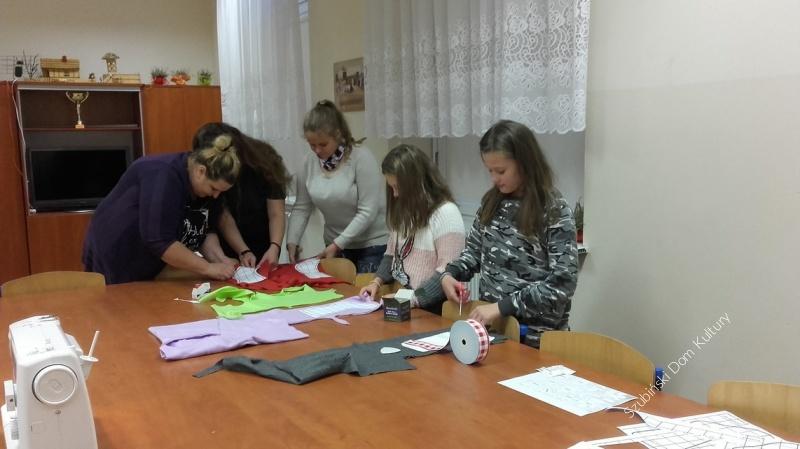 Buty Mikołaja w Świetlicy Wiejskiej w Starym Jarużynie