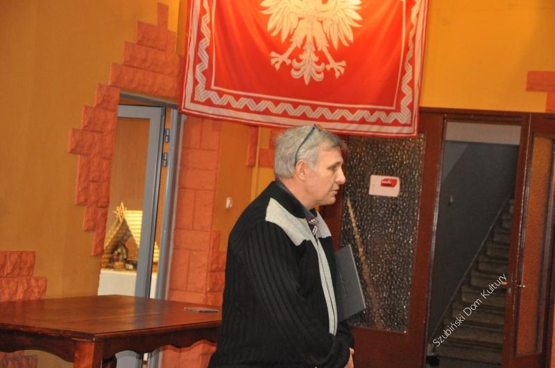 Mundurowi z ZSP w Szubinie zwiedzili wystawę Symbole narodowe flagi