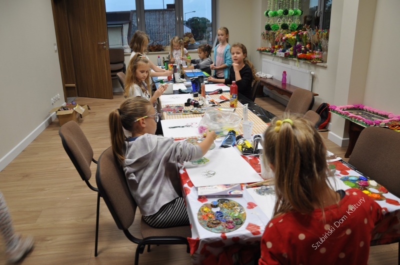 Zajęcia plastyczne dla dzieci i dorosłych
